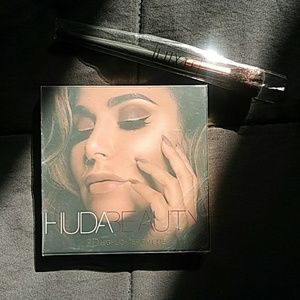 Huda Beauty Palette & Luxie Brush Duo
